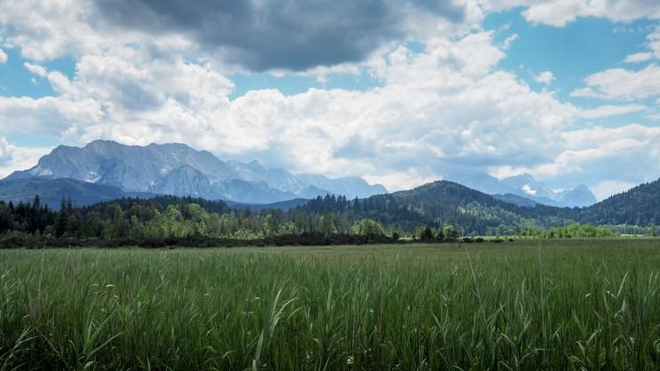 Blick auf Karwendel und Wettersteingebirge