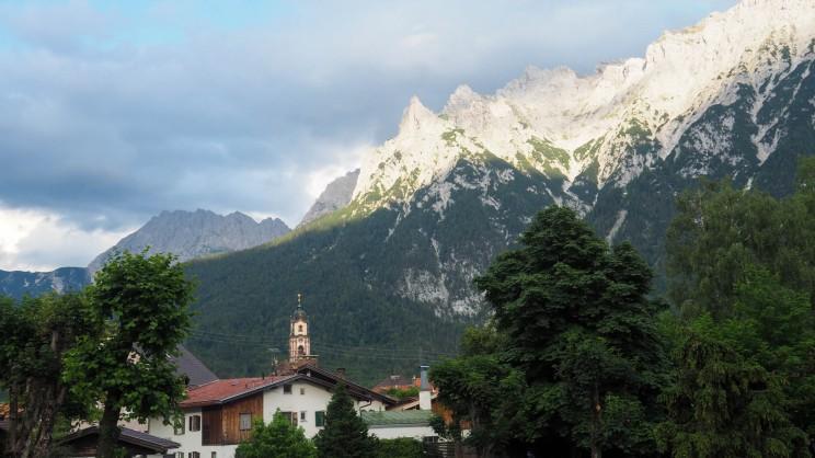 Mittenwald mit Karwendelspitze